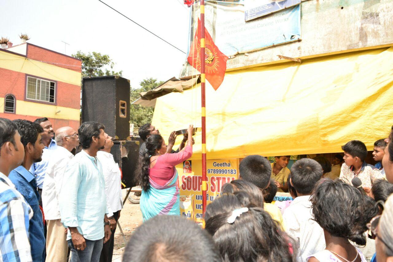 'செவாலியே' விருதுபெற்ற கமல்ஹாசனுக்கு செந்தமிழன் சீமான் வாழ்த்து