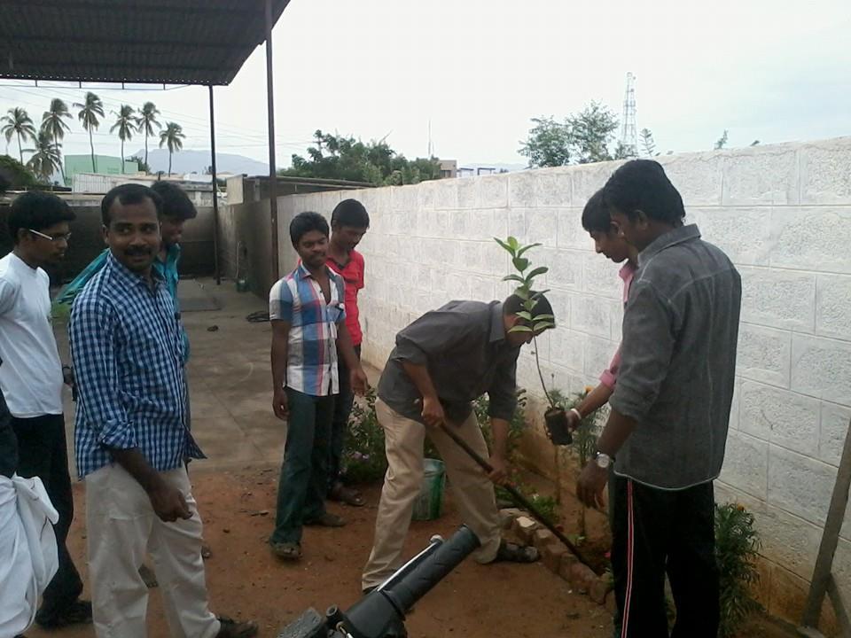 ஈரோடை மாவட்டம் -கோபி ஒன்றிய கலந்தாய்வு மற்றும் மரம் நடும் விழா  27.07.2014 அன்று நடைப்பெற்றது . nt1