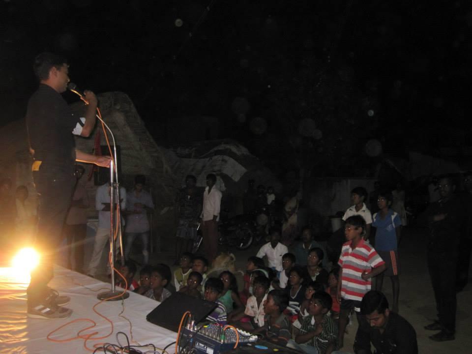 திருவள்ளூர் மேற்கு மாவட்ட நாம் தமிழர் கட்சி சார்பாக தெருமுனைக்கூட்டம் நடைபெற்றது. 10928172 490574337748565 679396901755797094 n